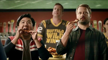 Buffalo Wild Wings TV Spot, 'Fans' - Thumbnail 9