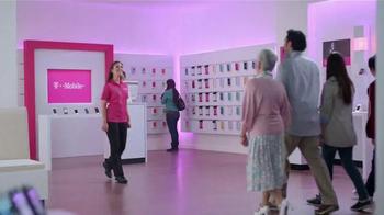 T-Mobile Plan Familiar TV Spot, 'Obstacle Course' [Spanish] - Thumbnail 1