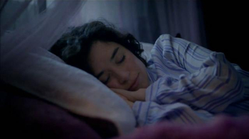 Vicks ZzzQuil TV Spot, 'Dormir Como Un Oso' [Spanish] - Thumbnail 9