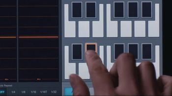 Apple iPad TV Spot, 'Yaoband's Verse' - Thumbnail 6
