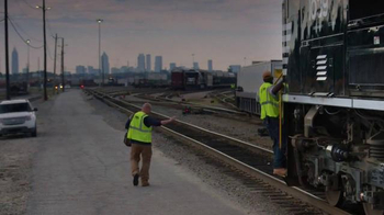 Norfolk Southern Corporation TV Spot, 'Moving Economy is Just Another Day' - Thumbnail 7
