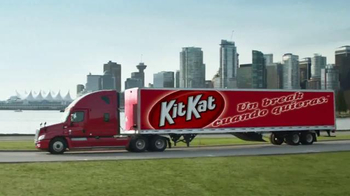 KitKat TV Spot, 'Por La Cuidad' [Spanish] - Thumbnail 10