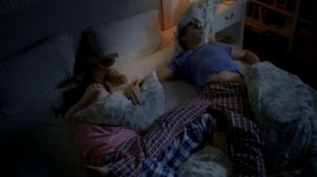 Vicks ZzzQuil TV Spot, 'Sleep Like the Kids are Away' - Thumbnail 7