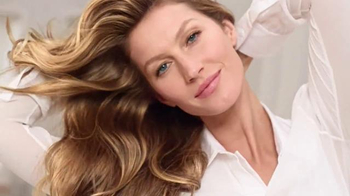 Pantene Pro-V TV Spot, 'Split End Repair and Protect' Feat. Gisele Bundchen - Thumbnail 10