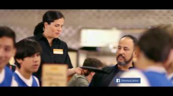 Denny's Cuatro Platillos TV Spot, 'Equipo' [Spanish] - Thumbnail 1