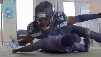 Madden NFL 15 TV Spot, 'Madden Season' Featuring Dave Franco, Kevin Hart - Thumbnail 5