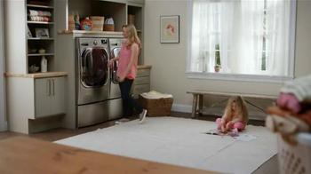 LG Appliances TurboWash TV Spot, 'Mom Confessions: Sarah's Hair' - Thumbnail 3