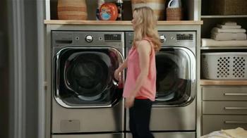 LG Appliances TurboWash TV Spot, 'Mom Confessions: Sarah's Hair' - Thumbnail 6