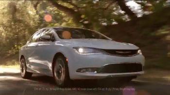 2015 Chrysler 200 Limited TV Spot, 'The Extra Mile' - Thumbnail 7