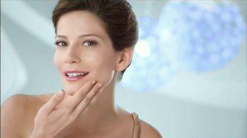 Teatrical Skin Lightening Cream TV Spot [Spanish]