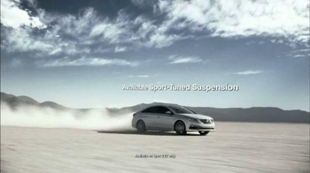 Hyundai Sonata Premiere Event TV Spot, 'It Punches Back' - Thumbnail 4