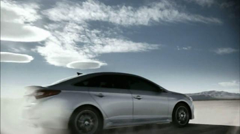 Hyundai Sonata Premiere Event TV Spot, 'It Punches Back' - Thumbnail 7