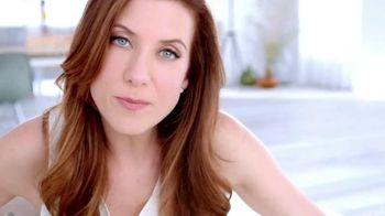 Garnier Anti-Sun Damage Daily Moisturizer TV Spot Featuring Kate Walsh - Thumbnail 5