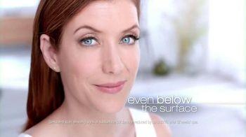 Garnier Anti-Sun Damage Daily Moisturizer TV Spot Featuring Kate Walsh - Thumbnail 7