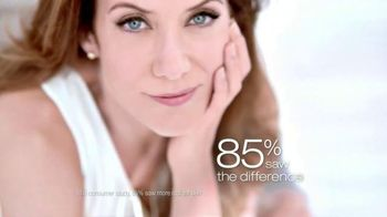 Garnier Anti-Sun Damage Daily Moisturizer TV Spot Featuring Kate Walsh - Thumbnail 9