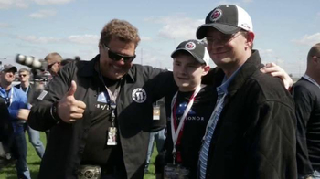 Folds of Honor Foundation TV Spot, 'Chicagoland Speedway NASCAR Event' - Thumbnail 6
