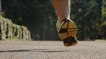 Foot Locker TV Spot, '2014 TCS NYC Marathon' - Thumbnail 4