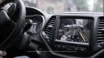 Jeep Cherokee TV Spot, 'Front and Rear Park Assist' - Thumbnail 3