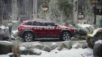 Jeep Cherokee TV Spot, 'Front and Rear Park Assist' - Thumbnail 8