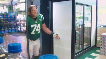 Pepsi TV Spot, 'Snap Fridge' Featuring Nick Mangold - 84 commercial airings
