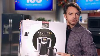 Walmart TV Spot, 'Encuentra Los Regalos' Con Eugenio Derbez [Spanish] - Thumbnail 6