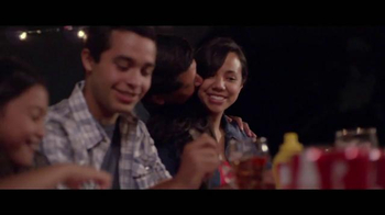 Coca-Cola TV Spot, 'Momentos' Letra por Clean Bandit, Jess Glynne [Spanish] - Thumbnail 6