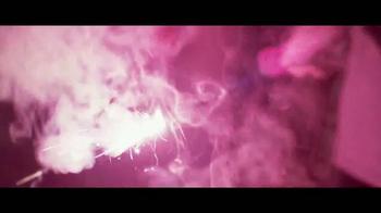 Coca-Cola TV Spot, 'Momentos' Letra por Clean Bandit, Jess Glynne [Spanish] - Thumbnail 7