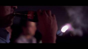 Coca-Cola TV Spot, 'Momentos' Letra por Clean Bandit, Jess Glynne [Spanish] - Thumbnail 8