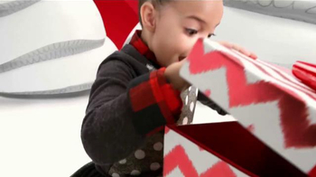 Target TV Spot, 'Holiday: Alice en el País de Marshmallows' [Spanish] - Thumbnail 10