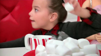 Target TV Spot, 'Holiday: Alice en el País de Marshmallows' [Spanish] - Thumbnail 5