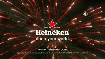 Heineken TV Spot, 'Happy Holidays' Song by Mani Hoffman - Thumbnail 9