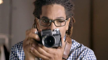 Glasses.com TV Spot, 'Portraits' - Thumbnail 1
