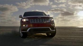 2015 Jeep Grand Cherokee Laredo TV Spot, 'Another Harsh Winter' - Thumbnail 4