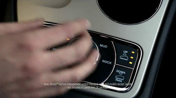 2015 Jeep Grand Cherokee Laredo TV Spot, 'Another Harsh Winter' - Thumbnail 6