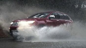 2015 Jeep Grand Cherokee Laredo TV Spot, 'Another Harsh Winter' - 2665 commercial airings