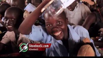 Samaritan's Purse TV Spot, 'Operation Christmas Child' Feat. Si Robertson - Thumbnail 5