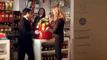 JCPenney Venta Alístate Para Las Fiestas TV Spot, 'Navidades' [Spanish] - Thumbnail 2