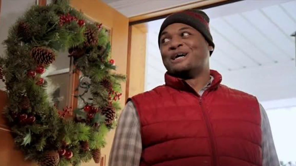 KFC Festive Feast TV Commercial, \'Fit the Tree\' - iSpot.tv