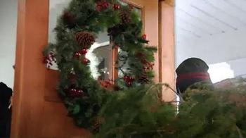 KFC Festive Feast TV Spot, 'Fit the Tree' - Thumbnail 4