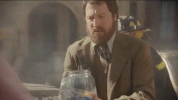 Dos Equis TV Spot, 'Comes to the Rescue' - Thumbnail 5