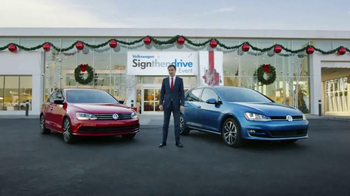 Volkswagen Sign Then Drive Event TV Spot, 'The Holiday Season is Here' - Thumbnail 7