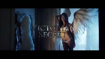 Victoria's Secret Dream Angels TV Spot, 'Holiday 2014' Song by Blood Orange - Thumbnail 1