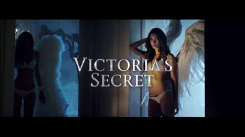 Victoria's Secret Dream Angels TV Spot, 'Holiday 2014' Song by Blood Orange - Thumbnail 2