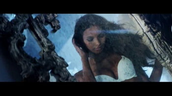 Victoria's Secret Dream Angels TV Spot, 'Holiday 2014' Song by Blood Orange - Thumbnail 4