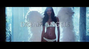 Victoria's Secret Dream Angels TV Spot, 'Holiday 2014' Song by Blood Orange - Thumbnail 8