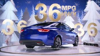 2015 Chrysler 200 TV Spot, 'Big Finish Event' Song by Fergie ft. YG - Thumbnail 6