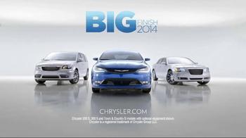 2015 Chrysler 200 TV Spot, 'Big Finish Event' Song by Fergie ft. YG - Thumbnail 8