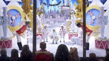 2015 Chrysler 200 TV Spot, 'Big Finish Event' Song by Fergie ft. YG