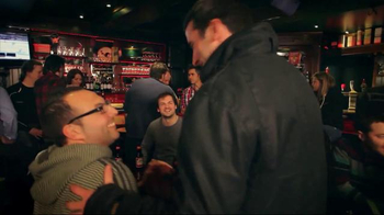 Budweiser Red Light Pitchers TV Spot, 'Hockey Night' - Thumbnail 4