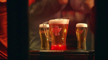 Budweiser Red Light Pitchers TV Spot, 'Hockey Night' - Thumbnail 7